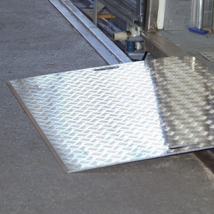 AWB: Mobile Aluminium Überladebrücke Warzenblech